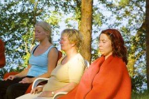 Meditasjon i hagen