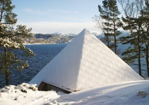 Pyramiden midt på vinteren